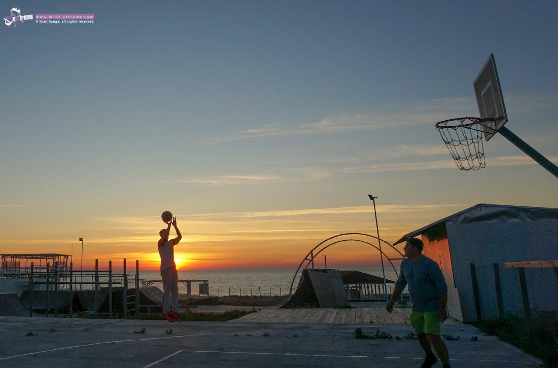 Баскетбольная площадка в Оленевке