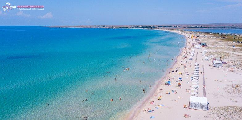 Песчаный пляж в Оленевке, Крым, фото