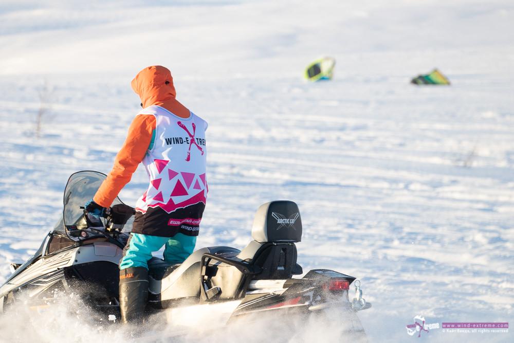 Кайт кемп в Тундре, снегоход
